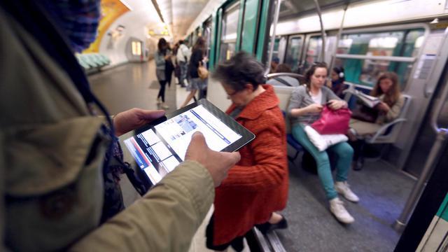 Plonger dans l'univers des Simpson et s'occuper aux toilettes ont été les deux activités préférées des utilisateurs iPhone et iPad la semaine dernière, selon un classement des téléchargements d'applications établi par Apple pour la France. [AFP]