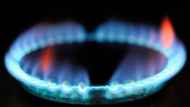 GDF Suez veut obtenir une nouvelle hausse des prix du gaz au 1er octobre, après celle de 2% intervenue cet été, et a transmis une demande en ce sens à la Commission de régulation de l'énergie (CRE), indique mardi le quotidien Le Figaro sur son site internet. [AFP]