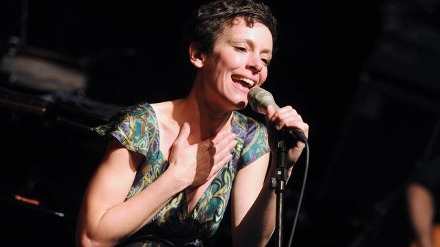 """Emily Loizeau est partie sur les traces de William Blake, poète de son enfance franco-britannique, pour son nouvel album """"Mothers & Tygers"""", créé au coeur de l'hiver dans son repaire des Cévennes et publié lundi. [AFP]"""
