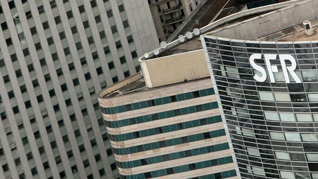 """Les groupes français Bull et SFR ont annoncé mercredi le lancement de leur offre d'informatique """"en nuage"""", baptisée Numergy, un projet financé par l'Etat à hauteur de 75 millions d'euros et qui propose de stocker en France les données informatiques sensibles nationales.[AFP]"""
