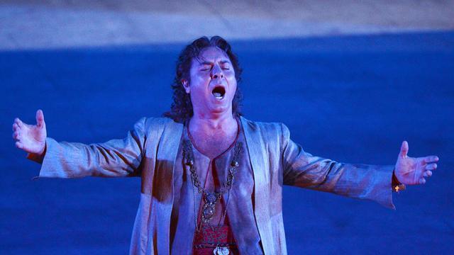 """Le ténor français Roberto Alagna, l'une des stars du monde de l'opéra, se produira finalement sur la scène de l'Opéra de Vienne les 10 et 13 septembre pour y interpréter le rôle principal de """"Don Carlos"""" de Guiseppe Verdi, a annoncé mercredi le Staatsoper dans un communiqué.[AFP]"""
