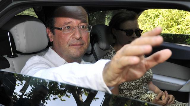 Le président François Hollande a reçu mercredi au fort de Brégançon, où il passe ses vacances, une délégation de citoyens s'opposant à l'exploitation du gaz de schiste.[AFP]