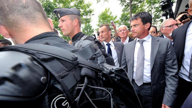 Le ministre de l'Intérieur Manuel Valls lance officiellement mardi à Saint-Ouen (Seine-Saint-Denis) les zones de sécurité prioritaires (ZSP), promesse de campagne du candidat Hollande contre la délinquance dans les quartiers difficiles. [AFP]