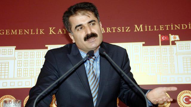Un député turc enlevé dimanche par des rebelles kurdes dans le sud-est de la Turquie, a été libéré mardi, a annoncé la chaîne de télévision privée NTV, citant le gouverneur local.[AFP]