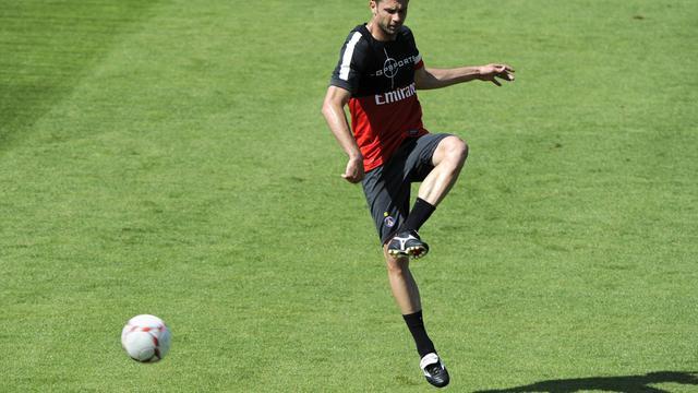 Le milieu de terrain italien Thiago Motta prend part à une séance d'entraînement du Paris SG le 16 août 2012 à Saint-Germain-en-Laye. [Bertrand Guay / AFP/archives]