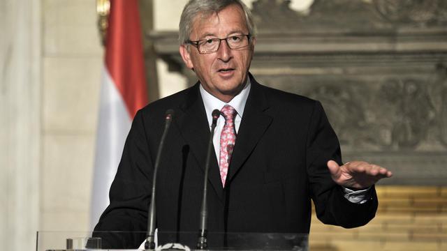 La première réunion du conseil des gouverneurs du Mécanisme européen de stabilité (MES) aura lieu le 8 octobre à Luxembourg, a annoncé mercredi le chef de l'Eurogroupe Jean-Claude Juncker après le feu vert donné par la cour constitutionnelle allemande à cet instrument. [AFP]