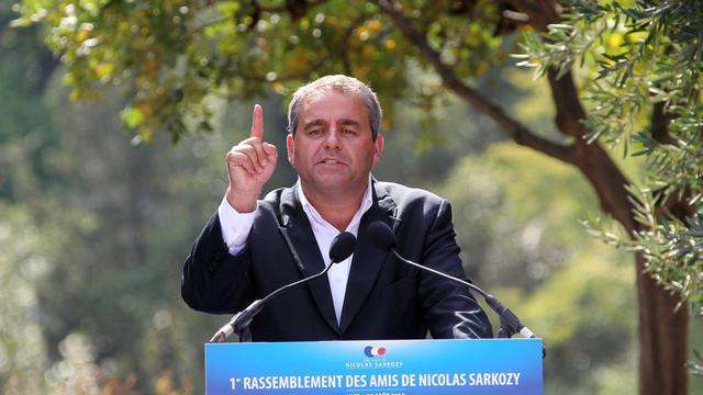 Xavier Bertrand, ancien secrétaire général de l'UMP, a affirmé jeudi avoir franchi la barre des 8.000 parrainages d'adhérents requis pour être candidat à la présidence de l'UMP, mais il ne décidera que le 16 septembre s'il concourt ou non à l'élection des 18 et 25 novembre. [AFP]