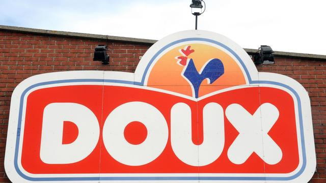 A photo taken on August 27, 2012 shows the sign of the French group Doux, Europe's top producer of poultry and processed chicken, at a factory in Graincourt, northern France. French government started to meet the bidders that submitted offers to purchase the Doux pole of fresh poultry put into liquidation on August 1st. Bidders include Sofiproteol through its subsidiary Glon Sanders, French poultry producers LDC, Duc, Axereal and Tallec. AFP PHOTO FRANCOIS LO PRESTI[AFP]