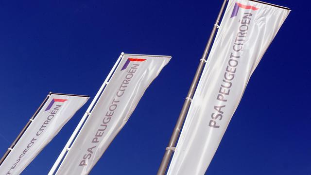 Le constructeur automobile français PSA Peugeot Citroën va sortir du CAC 40 et sera remplacé par le groupe belge de chimie Solvay, selon une décision prise jeudi par le Conseil scientifique des indices et annoncée par l'opérateur boursier NYSE Euronext. [AFP]