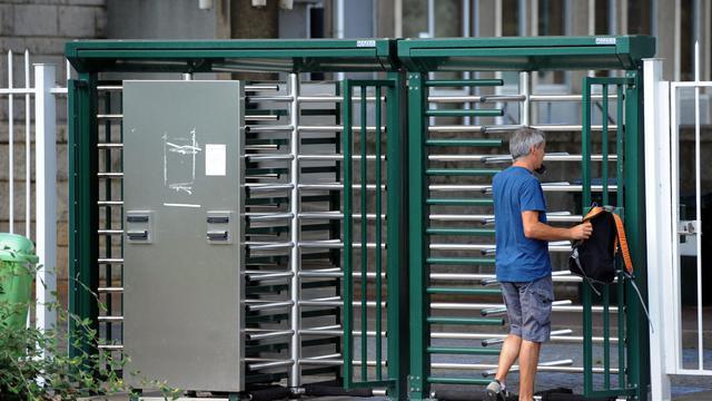 Entre cinq à dix usines automobiles pourraient fermer et jusqu'à 80.000 emplois disparaître dans les deux à trois ans en Europe de l'Ouest où la demande est en berne et les sites de production ne tournent pas à plein, estime mercredi le cabinet spécialisé Roland Berger.[AFP]