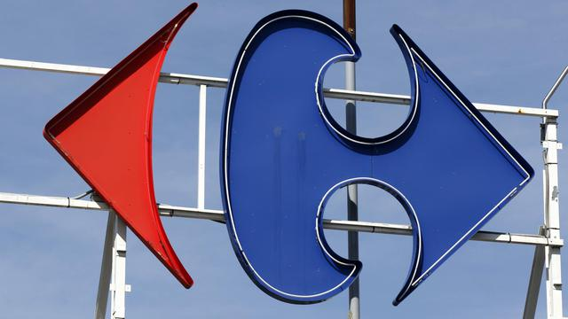 Le logo Carrefour sur un magasin du groupe de distribution [Thomas Samson / AFP/Archives]