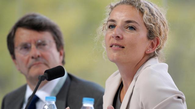 La ministre de l'Ecologie et de l'Energie Delphine Batho a réaffirmé vendredi la volonté du gouvernement de fermer la centrale nucléaire de Fessenheim (Haut-Rhin), selon un calendrier qui sera discuté lors du débat sur la transition énergétique à partir de cet automne. [AFP]