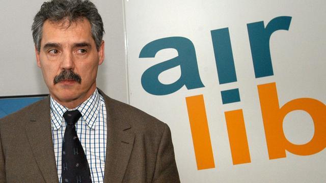 Une peine de 18 mois de prison avec sursis a été requise mardi devant le tribunal correctionnel de Paris contre l'ancien PDG d'Air Lib Jean-Charles Corbet, accusé de fraude fiscale pour avoir minoré ses revenus d'un million d'euros.[AFP]