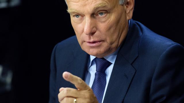 Jean-Marc Ayrault le 2 septembre 2012 dans les locaux de Radio France à Paris [Bertrand Langlois / AFP/Archives]