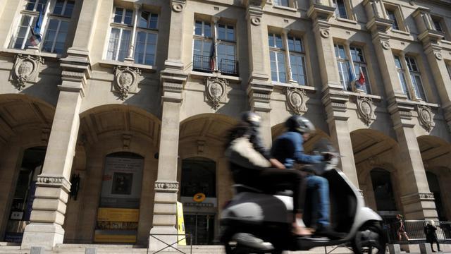 Devant la poste du Louvre à Paris [Eric Piermont / AFP/Archives]