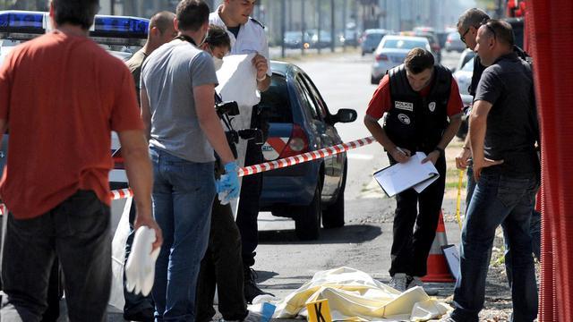 """Le parquet de Grenoble s'est dessaisi du dossier concernant le quinquagénaire tué samedi à Grenoble, en pleine rue sur un marché, au profit de celui de Lyon en raison d'éléments pouvant """"relever du banditisme organisé"""", a annoncé lundi le procureur de la République à Grenoble. [AFP]"""