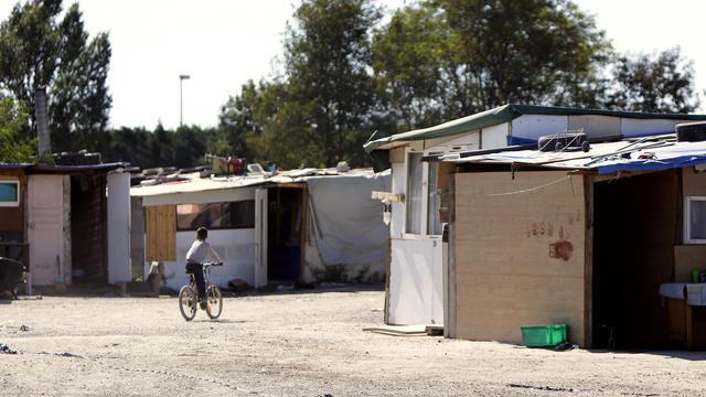 Un camp à Sucy-en-Brie qui a compté jusqu'en début de semaine environ 800 Roms s'est quasiment vidé de ses occupants, deux jours avant l'application officielle d'une décision de justice prévoyant l'évacuation du site, a constaté jeudi un journaliste de l'AFP. [AFP]