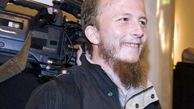 Le cofondateur du site internet d'aide au téléchargement, Pirate Bay, le Suédois Gottfrid Svartholm Warg, expulsé lundi par le Cambodge, était en garde à vue mardi dans son pays pour des faits de piratage informatique, a annoncé la justice. [SCANPIX-SWEDEN]