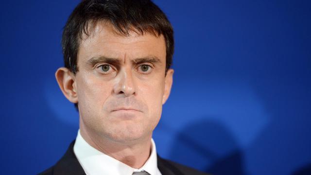 Le ministre de l'Intérieur Manuel Valls et le ministre délégué aux Affaires européennes Bernard Cazeneuve se rendent mercredi en Roumanie pour tenter de prendre à la racine la question rom, une visite délicate diplomatiquement et qui laisse les associations sceptiques. [AFP]