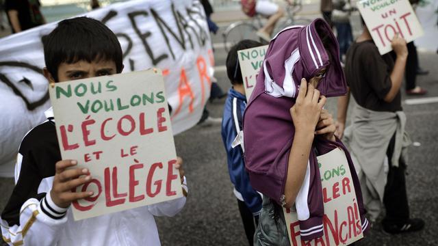 Des enfants Roms défilent le 15 septembre 2012 dans les rues de Lyon [Jeff Pachoud / AFP/Archives]
