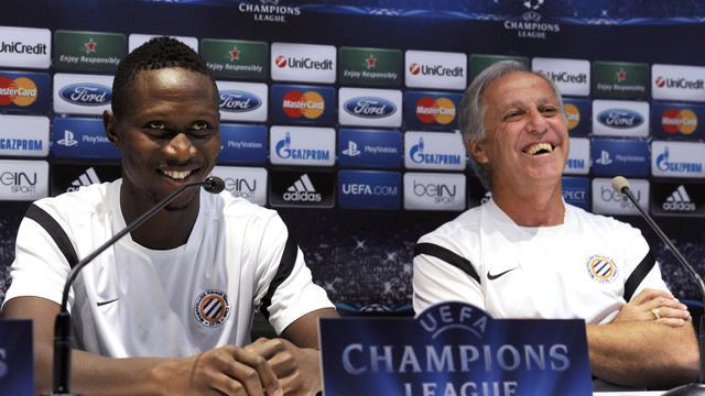 L'entraîneur de Montpellier René Girard (D) et son défenseur Mapou Yanga-Mbiwa (G) en conférence de presse à la veille d'affronter Arsenal en Ligue des champions, le 17 septembre 2012 [Pascal Guyot / AFP]