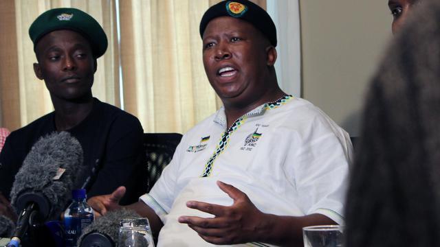 Julius Malema, ex-chef de file des jeunes de l'ANC, exclu du parti au pouvoir en avril, s'exprime lors d'une conférence de presse le 18 septembre 2012 à Johannesburg [Cynthia R Matonhodze / AFP/Archives]