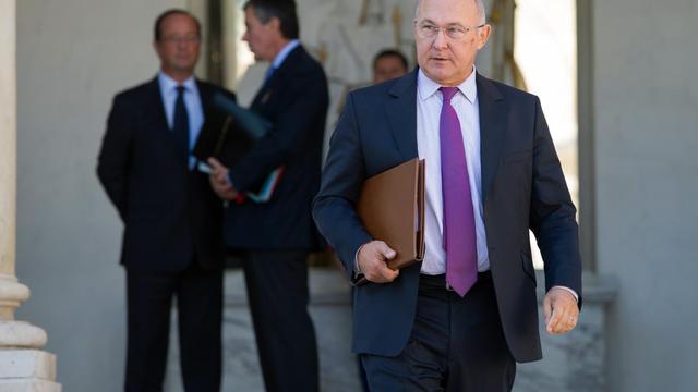 Michel Sapin le 19 septembre 2012 à la sortie du Conseil des ministres à l'Elysée à Paris [Bertrand Langlois / AFP/Archives]