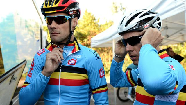 Les Belges Tom Boonen (g) et Philippe Gilbert, avant une séance d'entraînement le 19 septembre 2012 aux Mondiaux de cyclisme à Valkenburg. [Franck Fife / AFP]