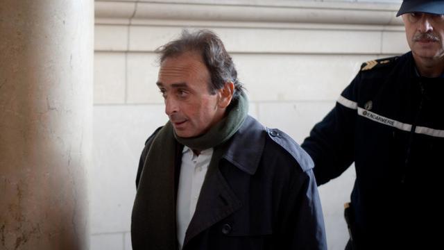 Le journaliste Eric Zemmour à son arrivée le 14 janvier 2011 au tribunal de Paris, où il comparaît pour provocation à la haine raciale [Martin Bureau / AFP/Archives]