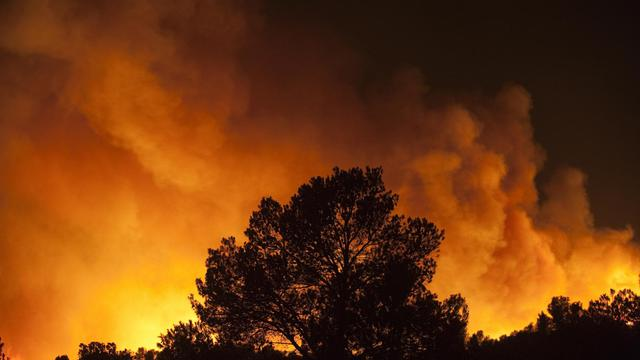 Un incendie ravage une forêt prés de Valence, le 24 septembre 2012 [Jose Jordan / AFP]