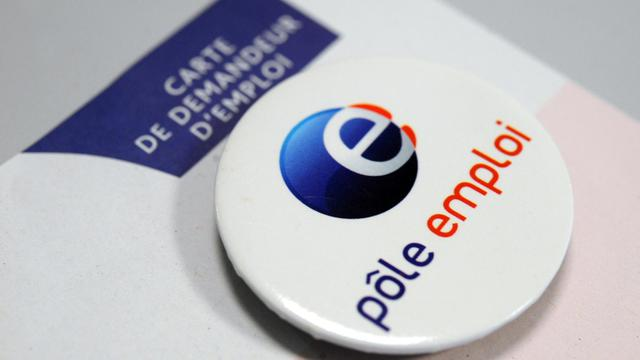 "Un badge ""Pôle Emploi"" [Fred Tanneau / AFP/Archives]"