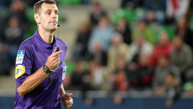 L'arbitre Alexandre Castro, le 25 septembre 2012 lors d'un match Rennes-Nancy à Rennes [Damien Meyer / AFP/Archives]