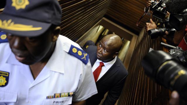 L'agitateur politique sud-africain Julius Malema arrive au tribunal de Polokwane, le 26 septembre 2012 [Stephane de Sakutin / AFP]
