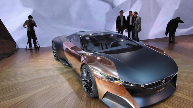 le concept-car Onyx de Peugeot, le 27 septembre 2012 au Salon de l'Automobile à Paris [Eric Piermont / AFP]