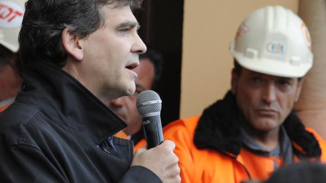Arnaud Montebourg le 27 septembre 2012 à l'usine ArcelorMittal de Florange. A droite le syndicaliste  Edouard Martin [Jean-Christophe Verhaegen / AFP]