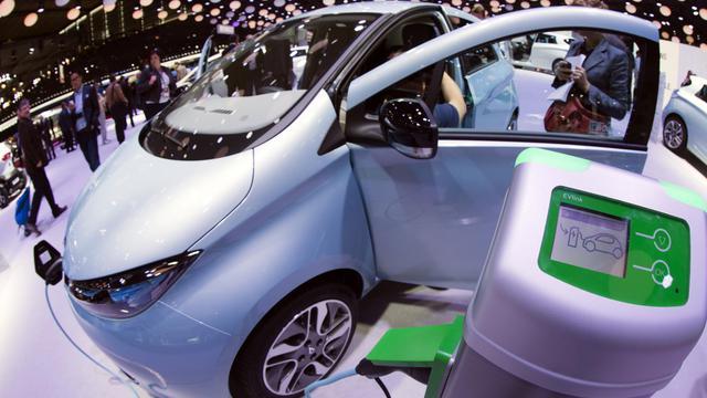 Une voiture électrique présentée au Mondial de l'auto à Paris, le 28 septembre [Joel Saget / AFP]