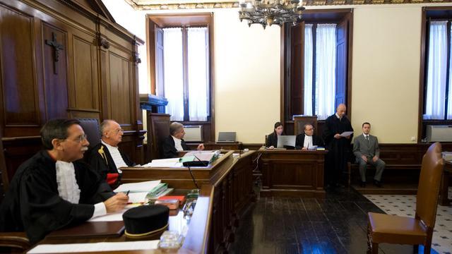 Paolo Gabriele (D) à l'audience le 29 septembre 2012 à Rome [ / OSSERVATORE ROMANO/AFP/Archives]