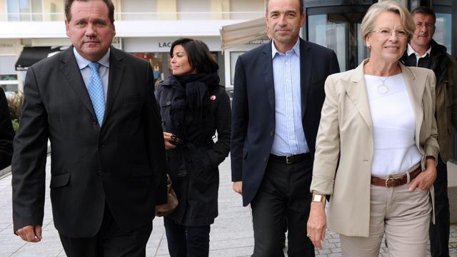 L'ex-ministre UMP Michèle Alliot-Marie (d) en compagnie de Jean-François Copé, à Biarritz, le 29 septembre 2012 [Gaizka Iroz / AFP/Archives]
