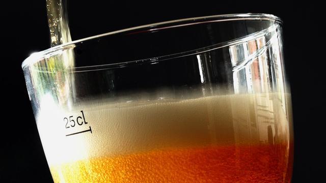 De la bière servie dans un verre [Philippe Huguen / AFP/Archives]