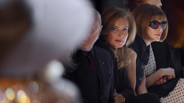 Valérie Trierweiler (2ed) au défilé Yves-Saint-Laurent, le 1er octobre 2012 à Paris [Martin Bureau / A]