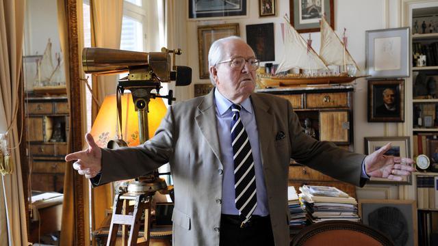Le président d'honneur du FN Jean-Marie Le Pen le 1er octobre 2012 à Saint-Cloud [Bertrand Guay / AFP]
