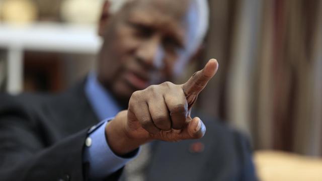 Le secrétaire général de la Francophonie, Abdou Diouf, dans son bureau à Paris le 5 octobre 2012 [Jacques Demarthon / AFP/Archives]