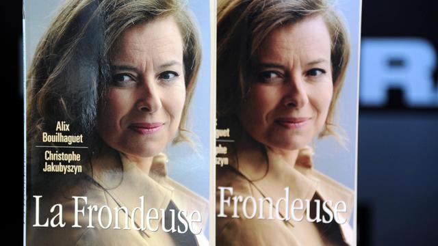 """""""La Frondeuse"""", biographie de Valérie Trierweiler, le 11 octobre 2012 à Paris [Bertrand Guay / AFP/Archives]"""
