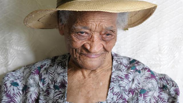 Irénise Moulonguet, 112 ans, doyenne connue des Français, au Morne-Rouge, en Martinique, le 19 octobre 2012 [Jean-Michel Andre / AFP/Archives]