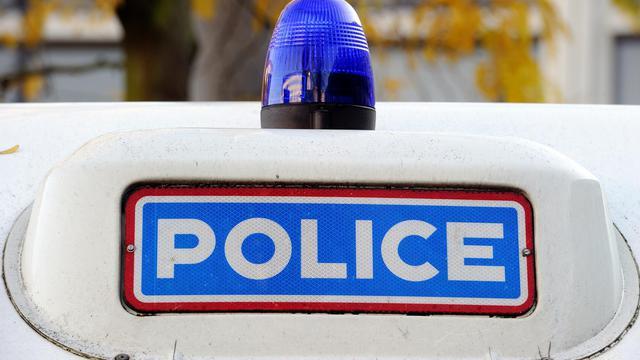 Le gyrophare d'une voiture de police