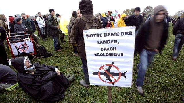 Des opposants à l'aéroport rassemblés le 17 novembre 2012 à  Notre-Dame-des-Landes [Jean-Sebastien Evrard / AFP]