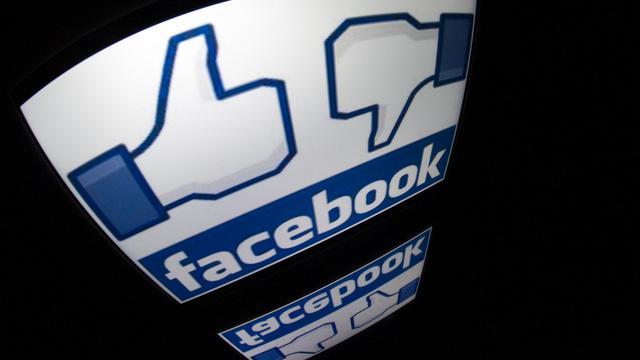 Un logo de Facebook sur un écran de tablette, le 4 décembre 2012 à Paris [Lionel Bonaventure / AFP/Archives]