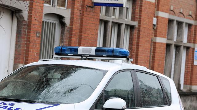 Une voiture de police devant un commissariat [Philippe Huguen / AFP/Archives]