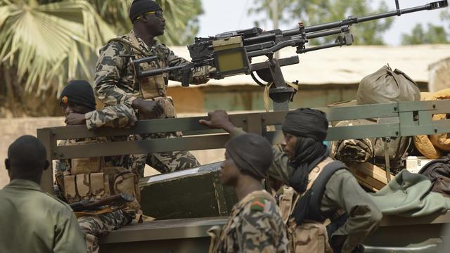 Des soldats maliens à Diabali, le 26 janvier 2013 [Eric Feferberg / AFP]