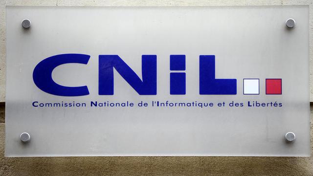 Le logo de la Commisson Nationale de l'Informatique et des Libertes, au siège de la CNIL à Paris [Lionel Bonaventure / AFP/Archives]